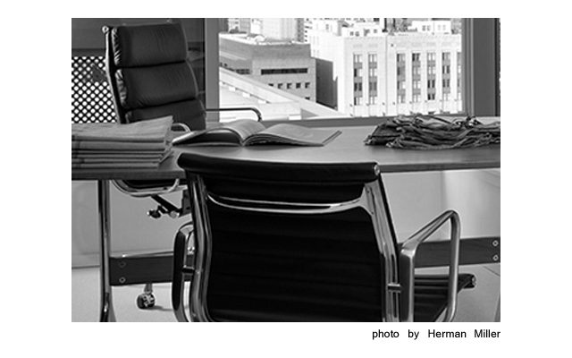 Eames_Aluminum_Group_Management_Chair_3